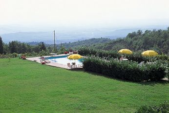 Farmhouse holiday at Castellina